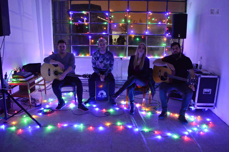Az ünnepi alkalomra tekintettel volt egy akusztikus koncert is, a Touch Me Not zenekar játszott.