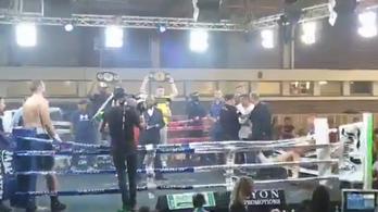 Egy pofon sem csattant, mégis kirepült a ringből a nehézsúlyú bunyós