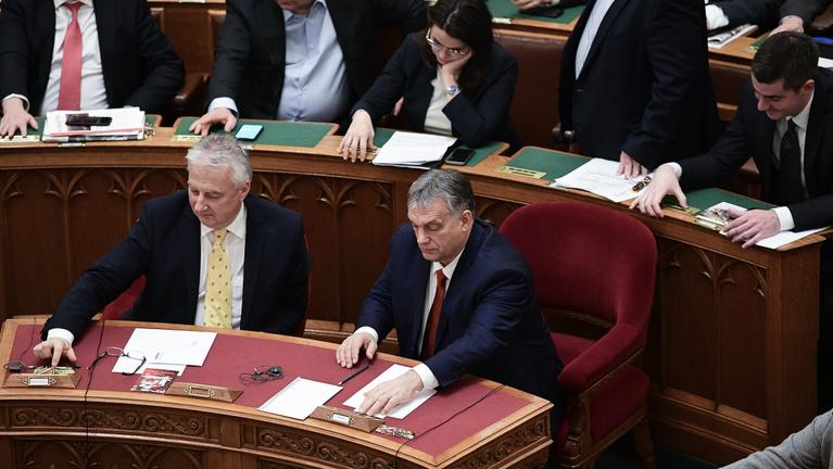Az Orbán-kormány a valósághoz igazította az idei büdzsét