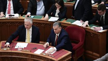 Megszavazták a bírói és az ügyészi béremelést