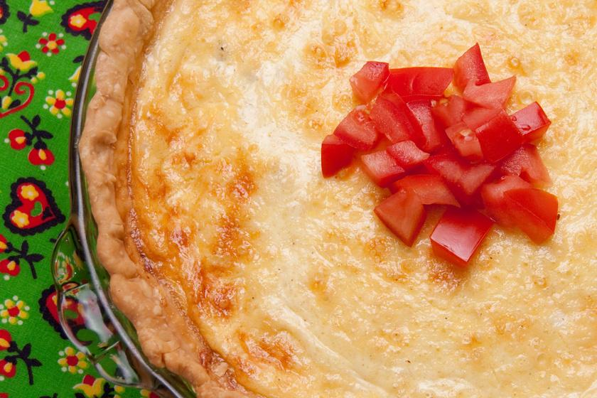 Spórolós paradicsomos pite – Kevés hozzávalóból gyors és ízletes vacsora
