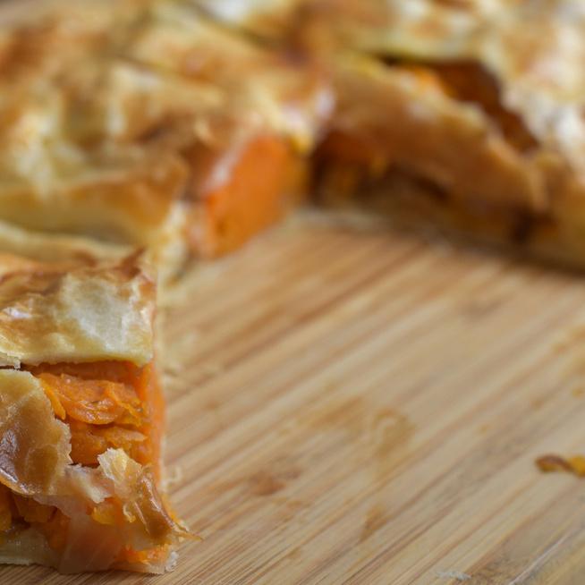 Francia édes-pikáns péksütemény: fűszeres sütőtök van a batyuban