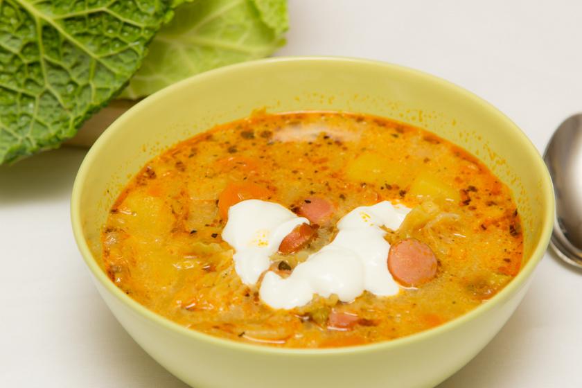 Sűrű, melengető frankfurti leves, amiben megáll a kanál