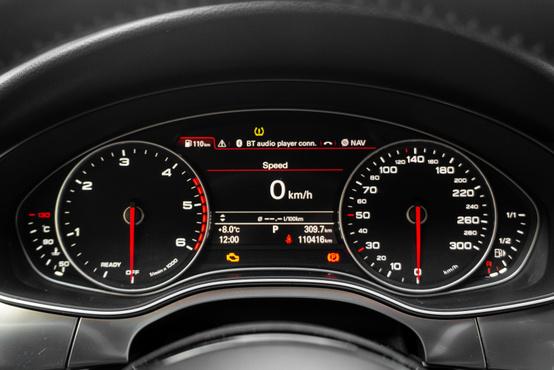 Tökéletes Audi tipográfia