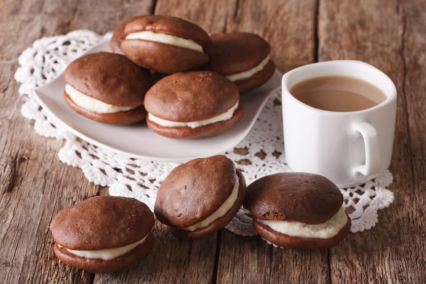 Puha és pufi kakaós sütemény: a whoopie pie tölteléke is isteni