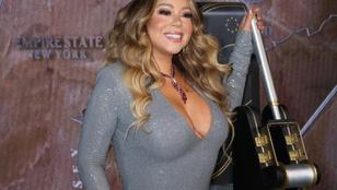 Mariah Carey gigadekoltázzsal ünnepelte, hogy az All I Want... sikeresebb most, mint valaha
