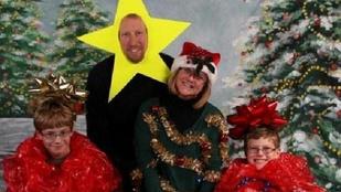 Láttál már igazán béna karácsonyi fotót? Most láthatsz egy csomót
