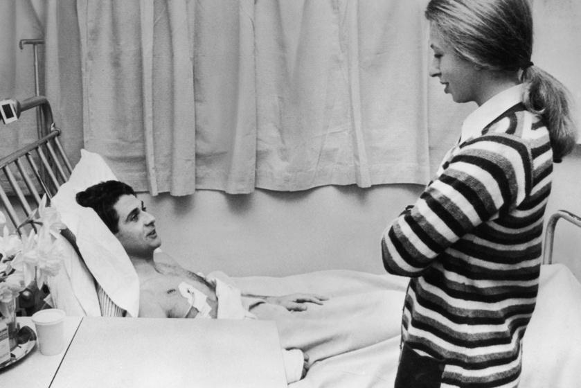 Anna hercegnő az elrablási kísérlet után meglátogatta a kórházban a megsérült testőrét.