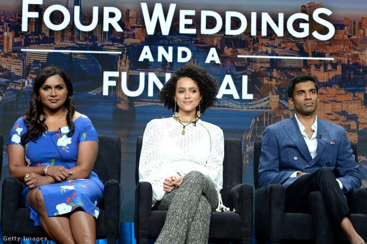 Emmanuel Mindy Kalig író és Nikesh Patel között, a Négy esküvő egy temetés sajtókörútján, Pasadenaban.