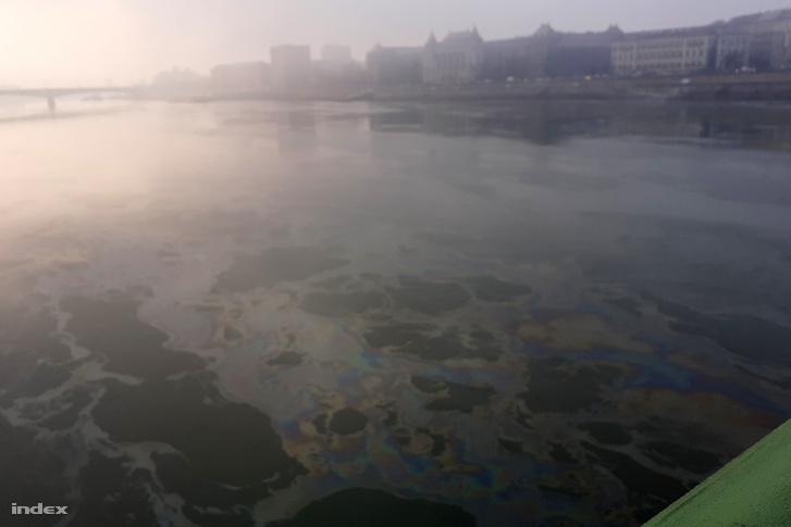 Olvasónk írta: Ezt a fotót ma reggel 8.07-kor készítettem a Szabadság-hídon