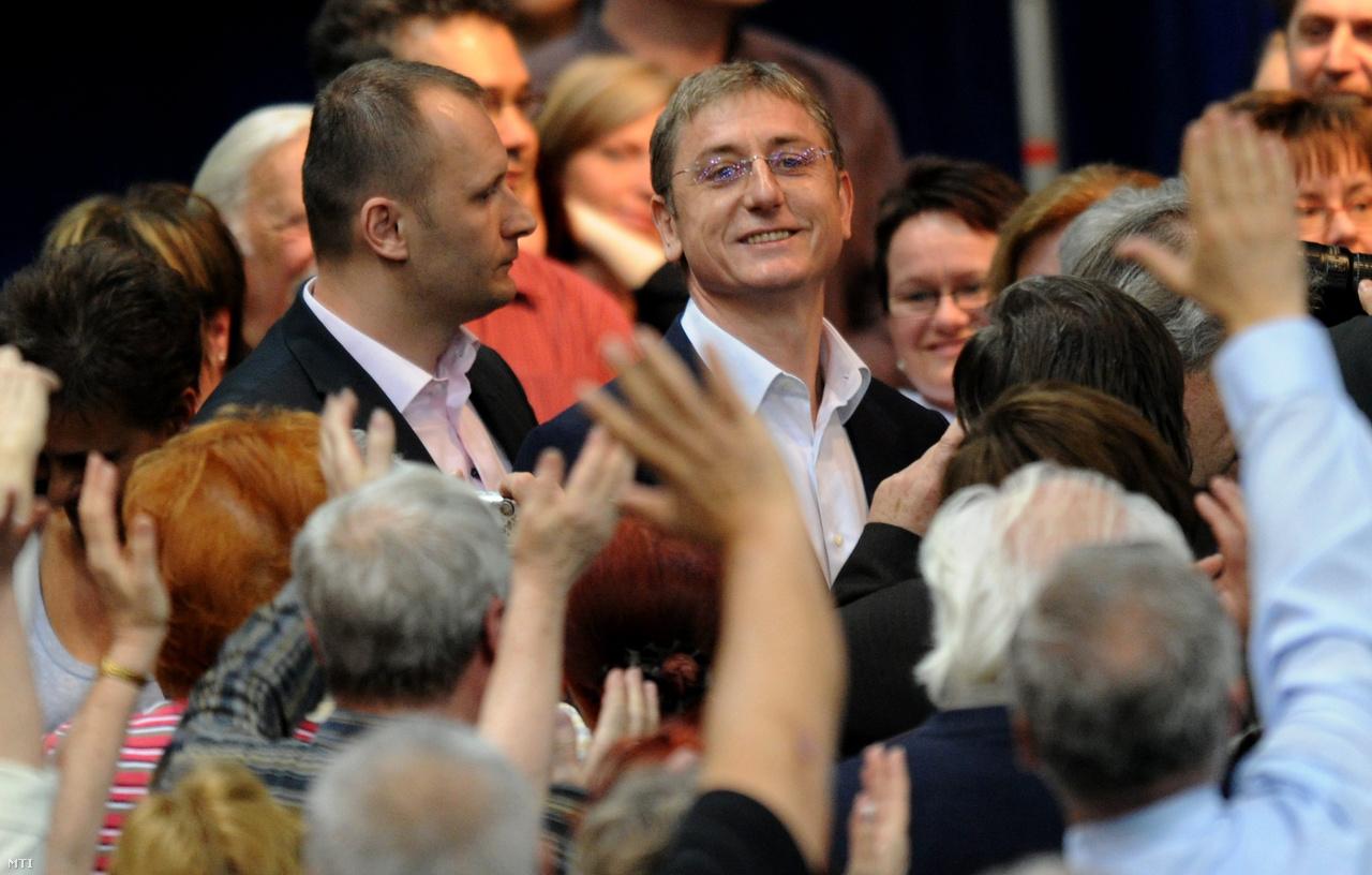 Gyurcsány Ferenc volt miniszterelnök érkezik a budapesti körcsarnokba, hogy megtartsa értékelő beszédét a Magyar Demokratikus Charta rendezvényén 2010. március 19-én.