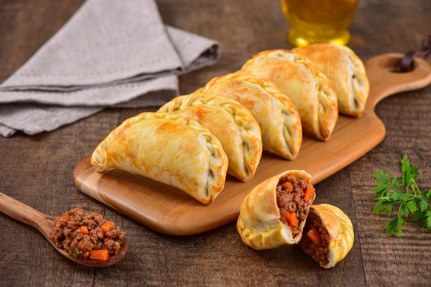 Spanyol töltött tésztabatyuk: így lesz tökéletes az empanadas tésztája