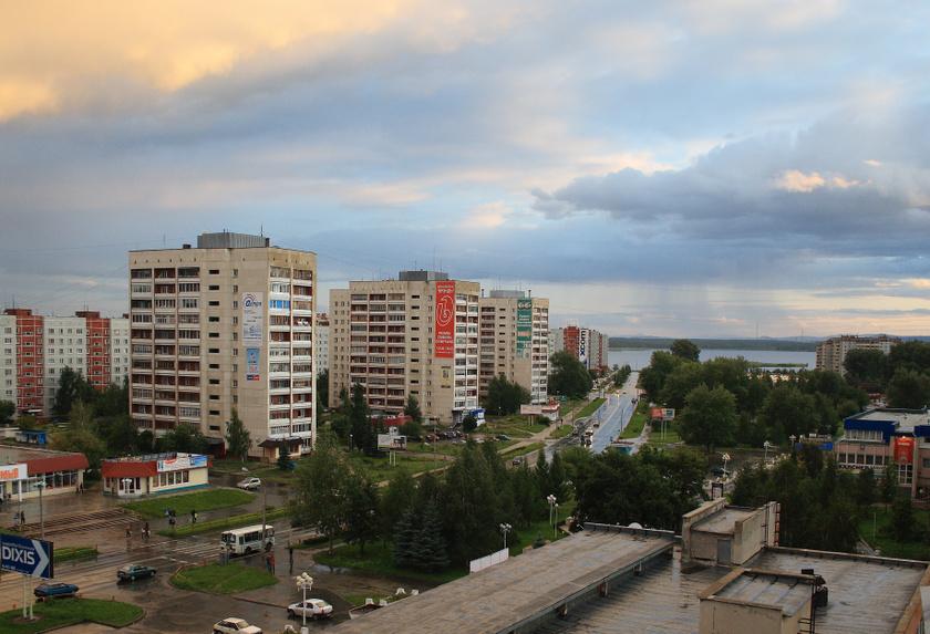 A Majak melletti Ozjorszk városának lakott területére csak engedéllyel lehet belépnie a kívülállóknak. A településen élők és dolgozók körében ma is kiugróan magas a daganatos betegségek száma.