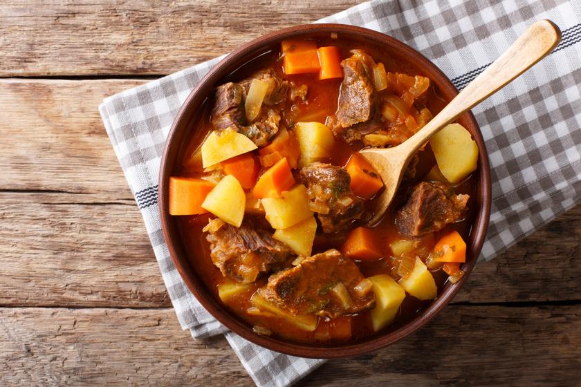Gulyásleves házi csipetkével: itthon mindenkinek ismernie kell a receptet