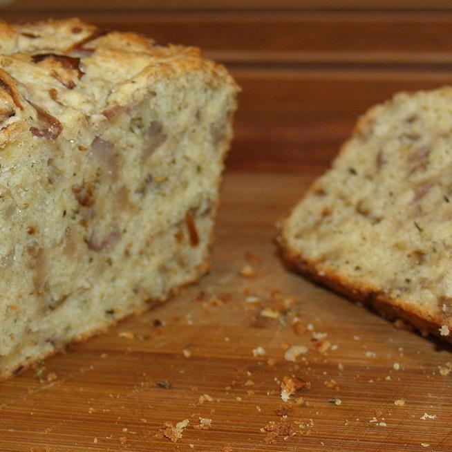Ropogós hagymás kenyér házilag -  Nem kell keleszteni