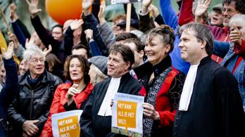 Bírósági ítélet kötelezi klímavédelemre a holland kormányt