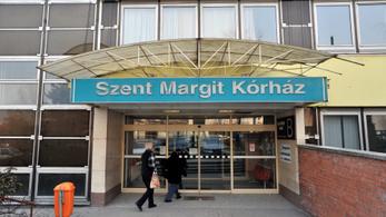 Petícióban állnak ki főigazgatójuk mellett a Szent Margit Kórház dolgozói