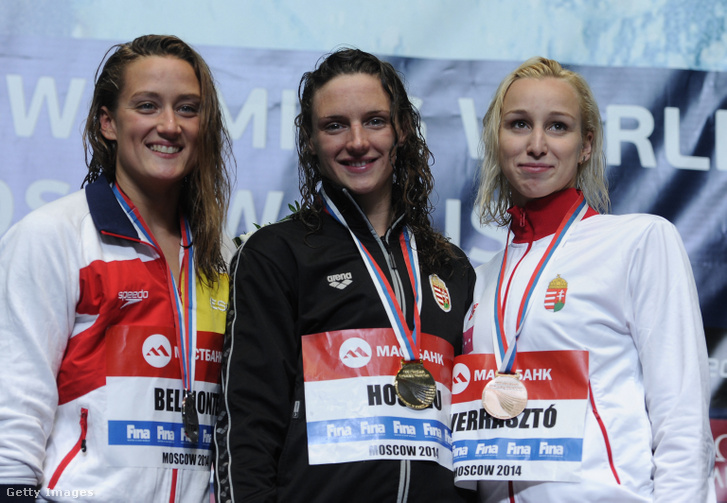 Mireia Belmonte (ezüst), Hosszú Katinka (arany) és Verrasztó Evelyn (bronz), a 200 m vegyes dobogósai a 2014-es moszkvai FINA úszó világkupán