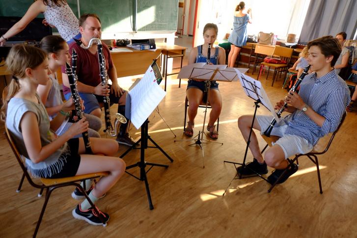Bálint utolsó, bármilyen fellépése a klarinétjával. Egy nyolcéves korszak vége, kár