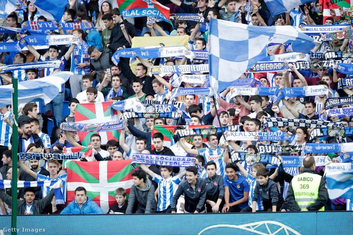 Real Sociedad-szurkolók egy Barcelona elleni meccsen
