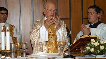 175 kiskorút molesztált 33 pap a Krisztus Légiójából