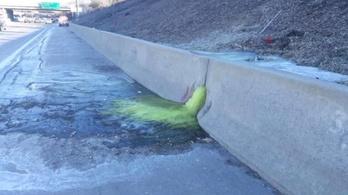 Mérgező anyag folyt ki egy detroiti autópályára