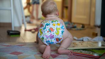 Mennyi pelenkát használ el egy gyerek három év alatt? Tizenkettőt!