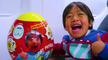 Egy 8 éves gyerek közel 8 milliárd forintot keresett idén a YouTube-on