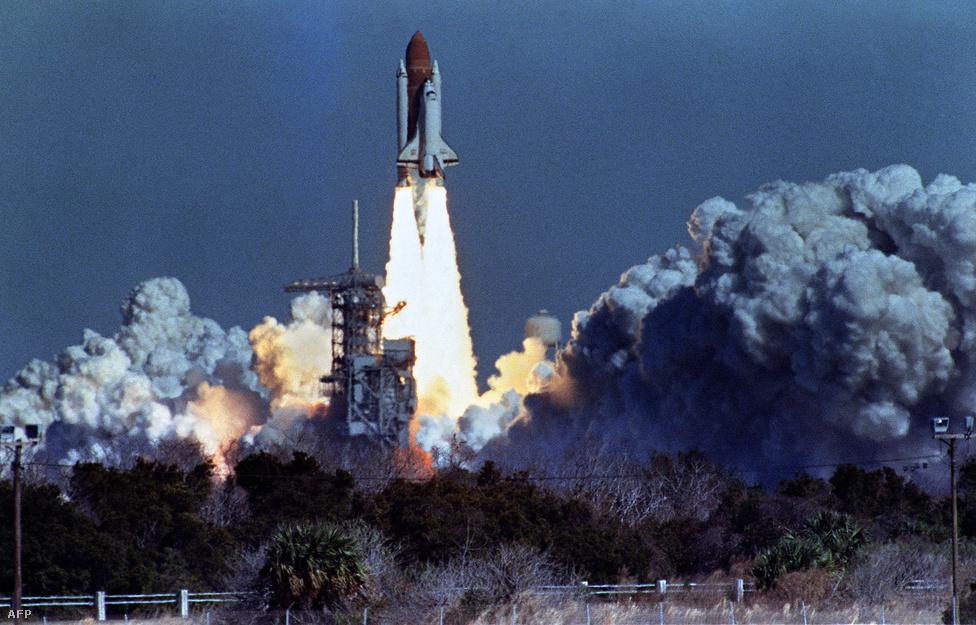 A Kennedy Űrközponthoz fűződik az emberi űrhajózás történetének két legsúlyosabb balesete. 1986. január 28: bekövetkezik az amerikai űrhajózás Apollo-1 utáni nagy  tragédiája: 72 másodperccel a start után felrobban a Challenger.