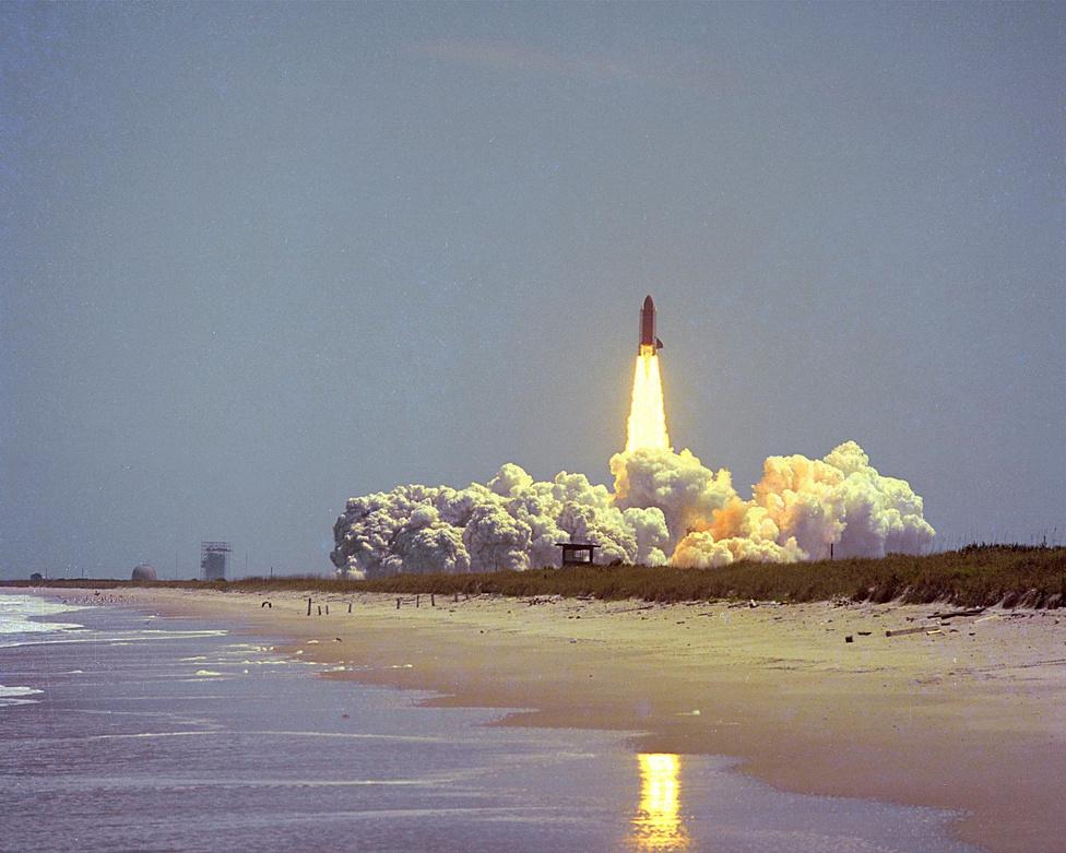 1983. április 5. A második üzemszerűen használt amerikai űrsikló, a Challenger első útja.