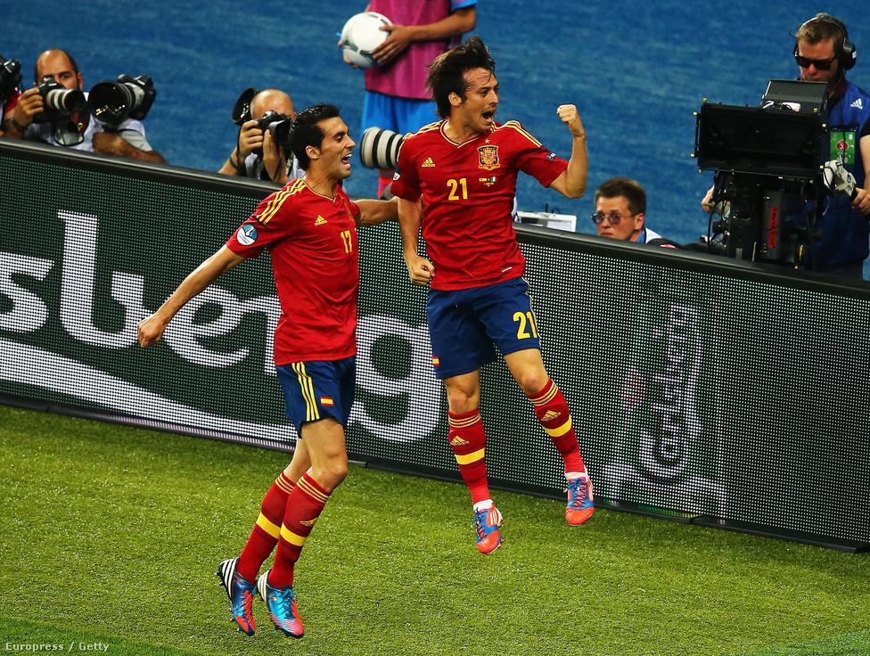 David Silva és Alvaro Arbeloa gólöröme.
