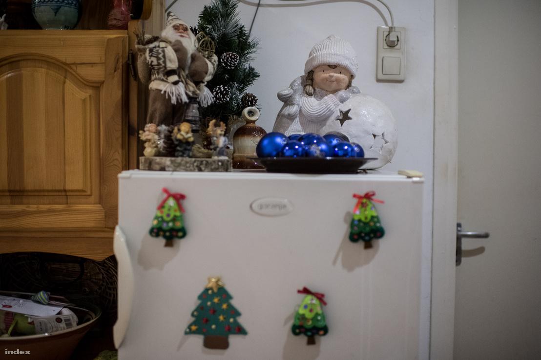 Karácsonyi dekoráció Schilling Magdolna házában.