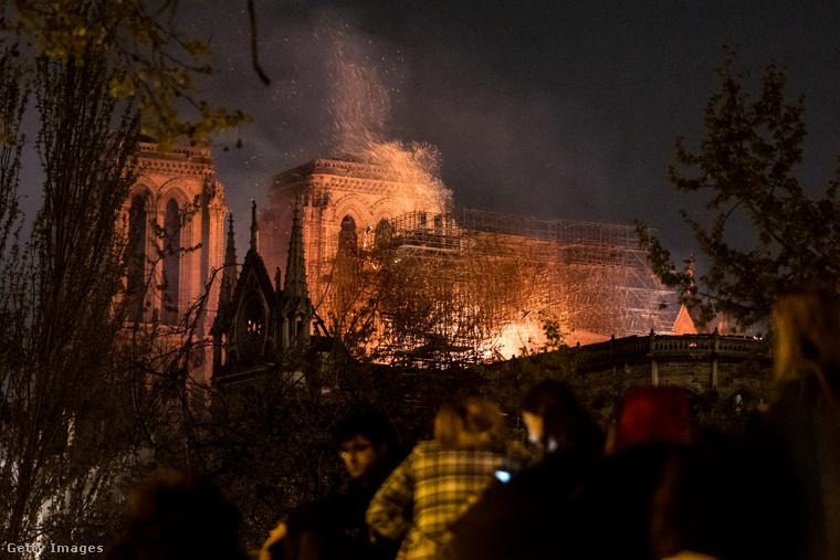 Ha bárkit is emlékeztetni kell a dátumra: április 15-én volt, hogy leégett a párizsi Notre-Dame