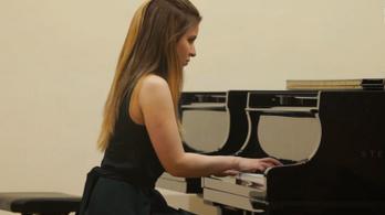 Bűncselekmény gyanúja miatt nyomoznak az Újlipótvárosban meghalt orosz zongoraművész ügyében