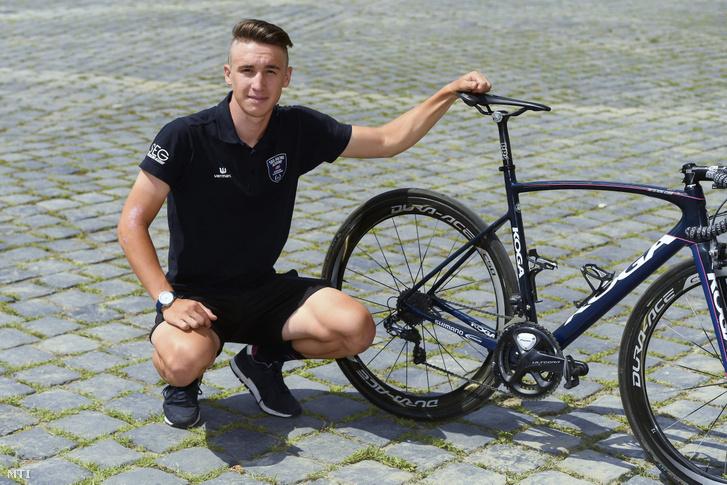 Peák Barnabás országúti kerékpáros Budapesten 2019. július 3-án. A World Tour besorolású ausztrál Mitchelton-Scott csapat június 27-én jelentette be hogy a 20 éves magyar versenyző 2020-tól hozzájuk igazol.
