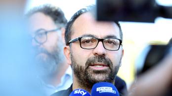 Nem kellene meglepődni azon, ha egy miniszter tartja a szavát - mondta az olasz oktatási miniszter, és lemondott