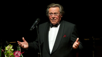 Meghalt Peter Schreier tenor énekes