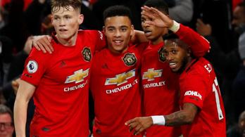 Négy góllal ajándékozta meg szurkolóit a Manchester United