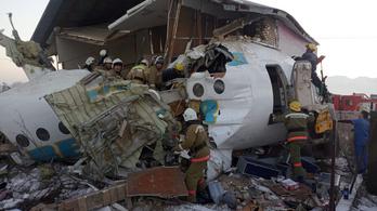 Felszállás után visszazuhant egy gép Kazahsztánban