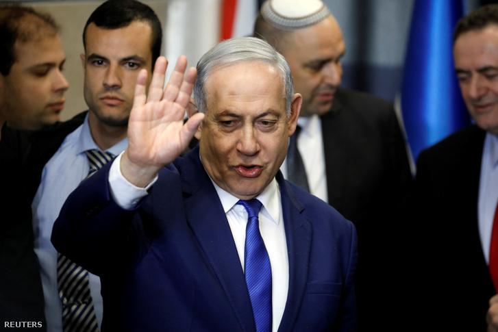 Netanjahu érkezik Tel Avivba 2019. december 27-én
