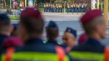 Hivatalos: bruttó 500 ezer forintos jutalmat kapnak a rendőrök