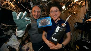 Kiskarácsony, nagykarácsony, sütit sütöttek az űrállomáson