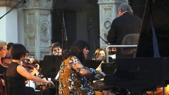 Meghalt Csuprik Etelka kárpátaljai magyar zongoraművész
