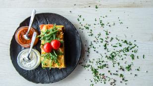 Gyors, vega muszaka kecskesajttal – ugyanolyan tökéletes, mint a hagyományos, görög változat