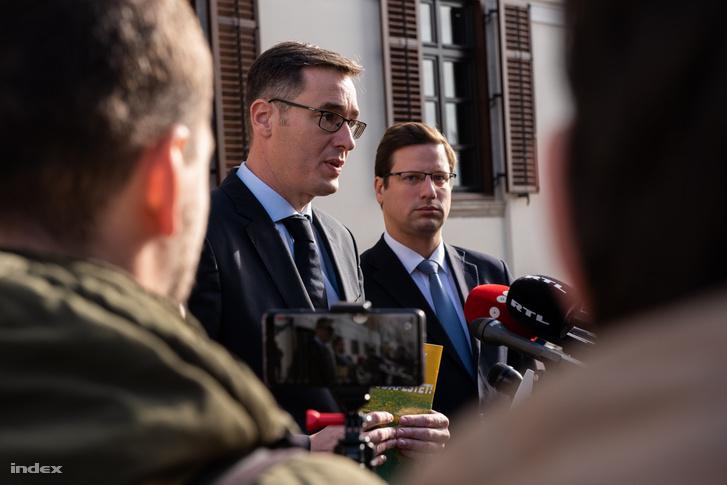 Karácsony Gergely és Gulyás Gergely tart közös sajtótájékoztatót a budai Várban 2019. november 6-án