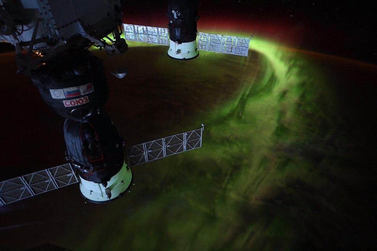 Sarki fény két ISS-hez dokkolt Szojuz űrhajóval