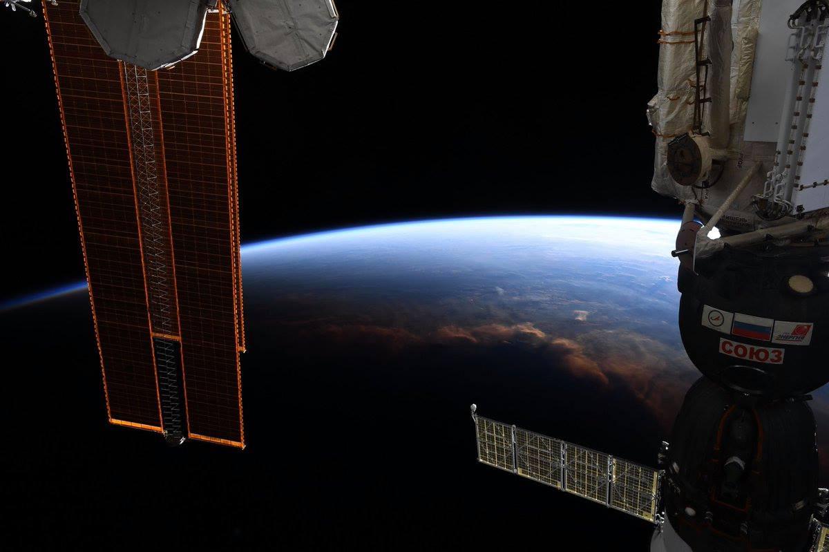 A nappal és éjjel közti határvonal az űrből