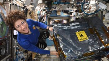 Új űrrekordot állított föl Christina Koch