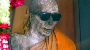 Hogyan került napszemüveg egy mumifikálódott szerzetes maradványára?