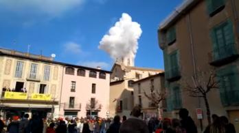 Robbanás történt egy katalóniai faluban, többen megsérültek